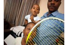 Tennisschläger für Malawi...und der TCB unterstützt mit